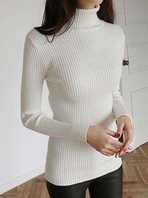 Cream Corrugated Turtleneck Knit