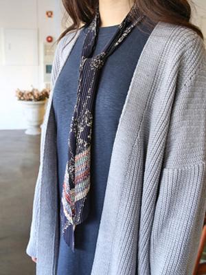 Pleats Louvre scarf