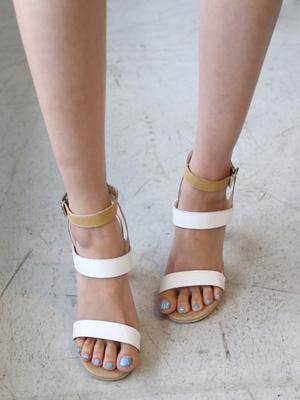 More Clips Sandals (9cm) (30% OFF)