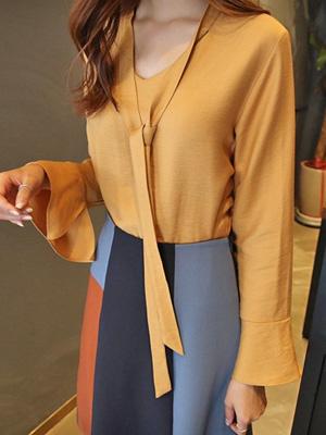 Robe Thai Blouse (30% OFF)