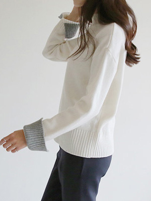 Ratty Sleeve Slit Knit (10% OFF)
