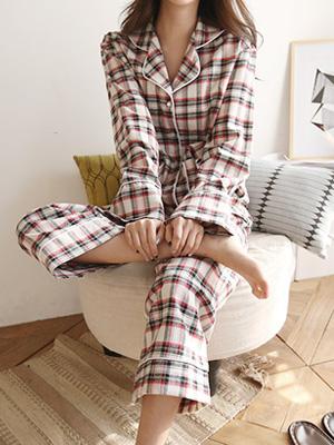 Hyuseun Check Pajama Set