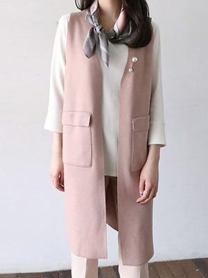 Pearl brooch Knit Vest