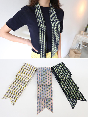 Pleats are recreational scarf