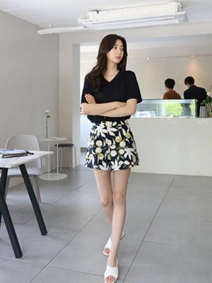 Fruit Linen Shorts