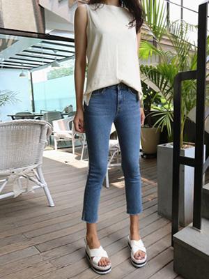 Straight 9 Pants (S, M, L)
