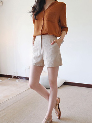 Lying Linen Shorts