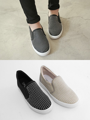 Little Stud Slip-on Shoes (2.5 cm) (30% OFF)