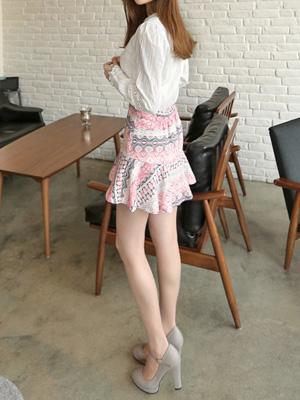 Baroque Jacquard Skirt (30% OFF)