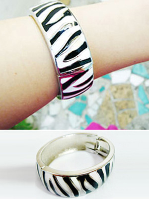 Zebra bangle (50% OFF)
