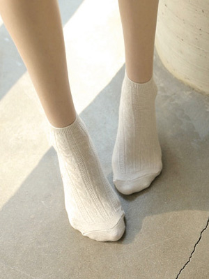 Cable stockings (2 + 1)