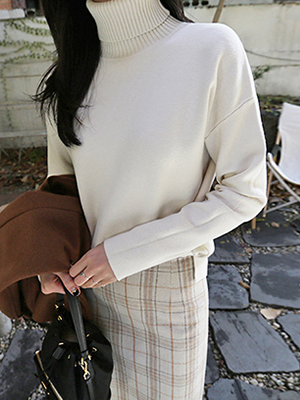 Murrel Turtleneck Knit