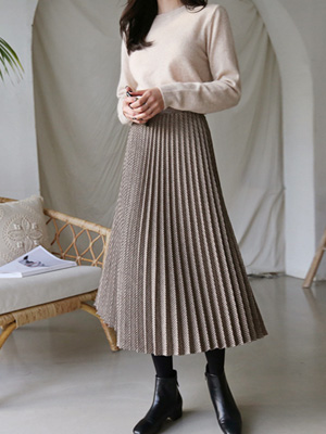 Akonnie Pleats Skirt
