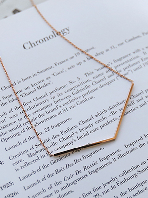 Ka line rose gold necklace